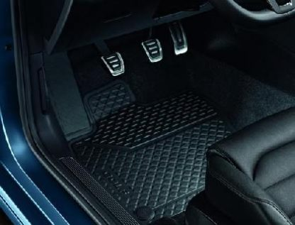 Golf [5G] Rear Rubber Mats
