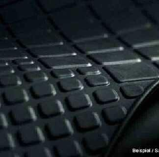 Polo [9N] Front Rubber Mats