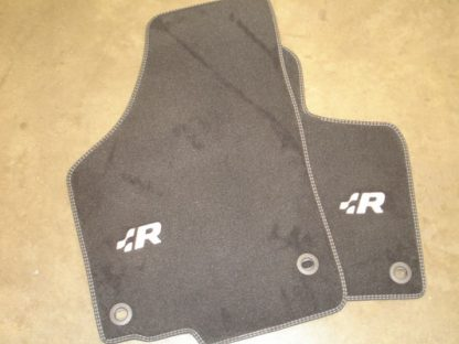 Golf R32 Carpet Mat Set - Silver